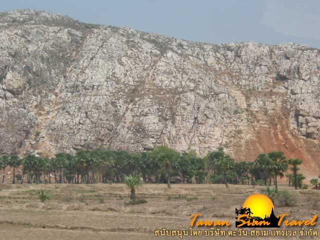 ภูเขาดงคสิริ สถานที่พระโพธิสัตว์ทรงกระทำทุกขกิริยา