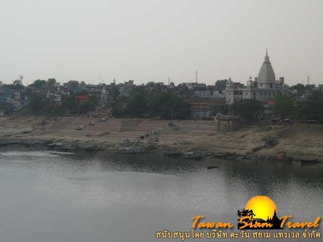 เมืองพาราณสี อีกฟากฝั่งของแม่น้ำคงคาอันศักดิ์สิทธิ์