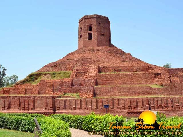 เจาคันธีสถูป เป็นสถานที่พระพุทธเจ้าพบปัญจวัคคีย์เป็นครั้งแรกหลังจากที่เสด็จมาจากพุทธคยา
